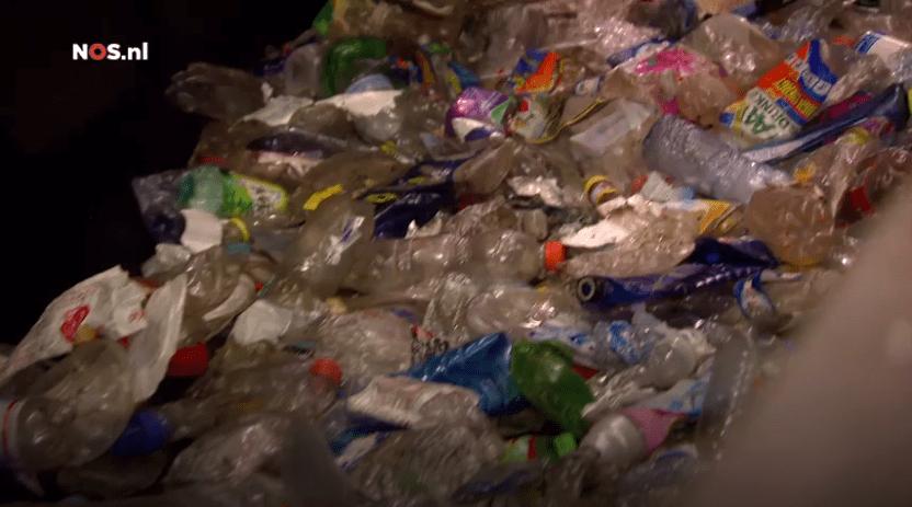 Plastic afval recyclen heeft weinig effect op milieu - Bron: NOS Nieuws, nos.nl